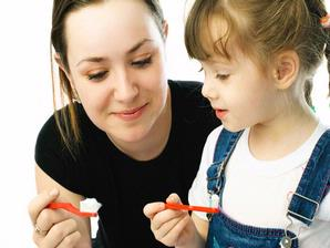 Merawat Gigi Anak