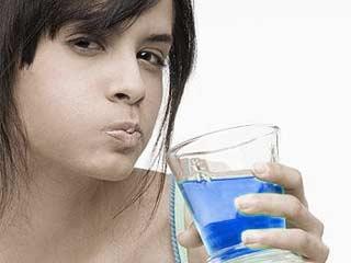 Obat Kumur Tidak Efektif Untuk Menyingkirkan Semua Bakteri Di Mulut